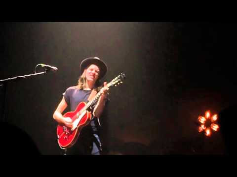 James Bay - Scars live at the HMH in Amsterdam (23-10-2015)