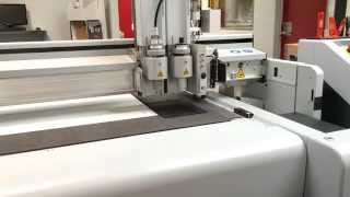 Zünd G3 cutting 4 mm rubber with Pneumatic Oscillating Tool