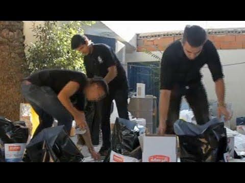 شباب ليبيون يوزعون مساعدات غذائية على الأسر المتعففة  - نشر قبل 4 ساعة