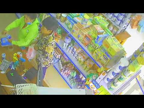 Ăn trộm sữa 1 cách chuyên nghiệp. Các cửa hàng hãy cẩn thận !