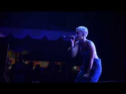 Halsey- Strange Love (1st Time Live)