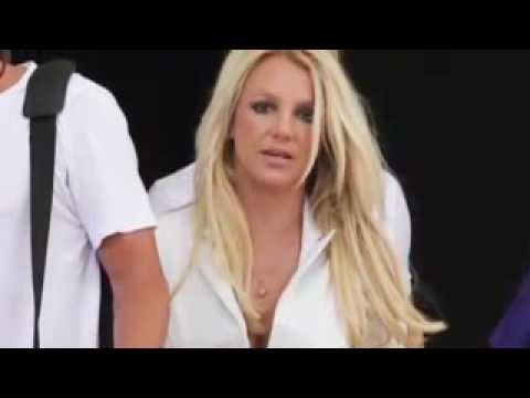 Britney Spears Has Cleavage Factor as she Arrives For Bootcamp thumbnail
