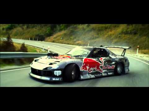 Red bull - Mad Mike y su Mazda RX7 de 750 CV