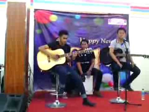 peterpan - usia 17 ( cover Vheternal band ) @indomaret poin tebet. Acoustic