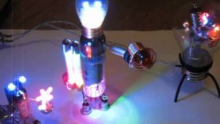 Самодельные арт-роботы: Mini art-robots 8))