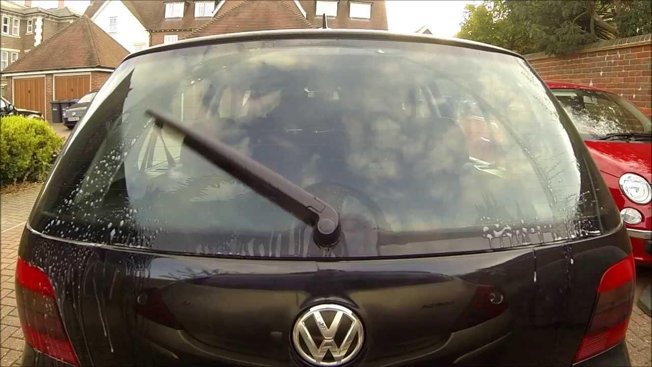Audi A4 Avant (B7) rear wiper on Mk4 Golf - YouTube