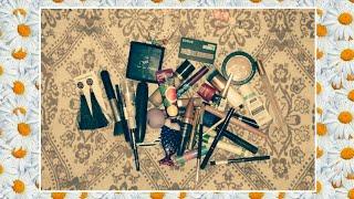 Рубрика:Что в моей косметичке?!:)))