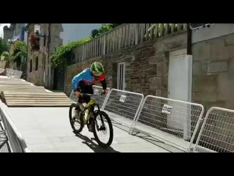 Ciclismo por los aires en Sarria