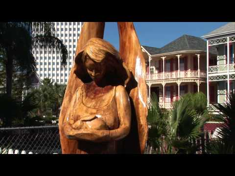 Attractions: Tour the Tree Sculptures on Galveston Island, Texas