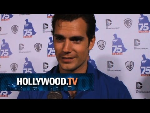 Henry Cavill celebrates at Comic-Con!! - Hollywood.TV
