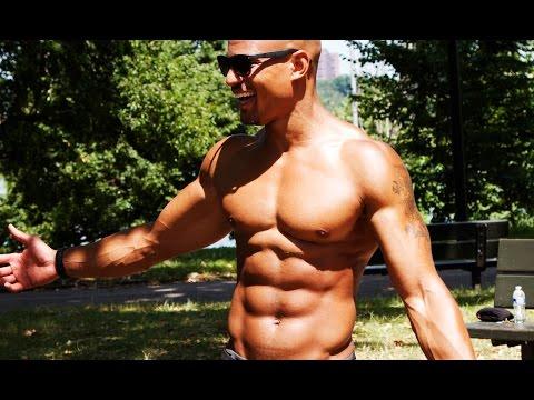 Big Brandon Carter Trains Over 50 People At Once