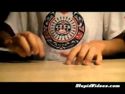 Chơi nhạc bằng bút bi - YouTube.FLV
