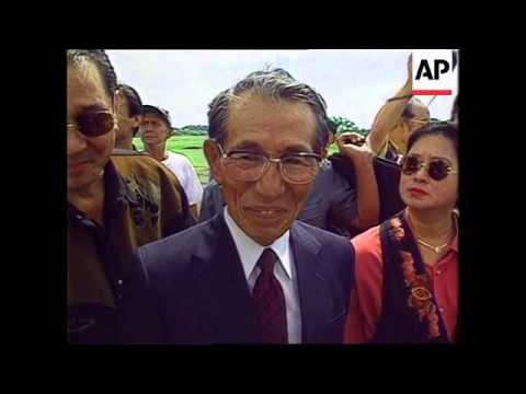 Philippines - Japanese Soldier Returns