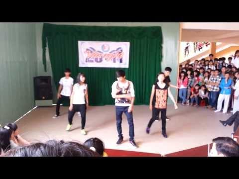 Nhảy hiện đại 10 ch.Toán 2 THPT chuyên Phan Ngọc Hiển 20-11