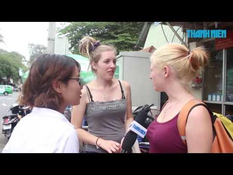 """""""Chiến dịch vỉa hè"""" tại TP.HCM: Người đi bộ nghĩ gì khi bị cướp mất lối đi riêng?"""