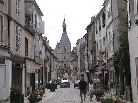 Avallon (France) walking to Église St  Lazare 法國 阿瓦隆城 漫遊到聖 拉札爾教堂