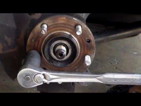 How To Replace Wheel Studs 2005 Kia Sedona Youtube