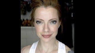 Julia Petit Passo a Passo verde e Amber Maquiagem
