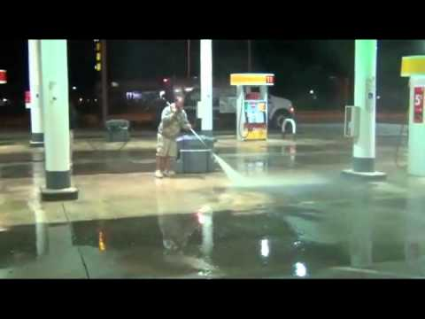 Super Fast Shell Station Clean 17 gpm 4000 psi YouTube Upload Video File.mpg