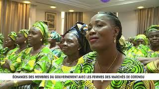 Video Echanges à bâtons rompus entre le gouvernement et les femmes des marchés de Cotonou. download MP3, 3GP, MP4, WEBM, AVI, FLV Oktober 2018