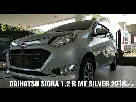 63 Koleksi Gambar Mobil Sigra Silver HD
