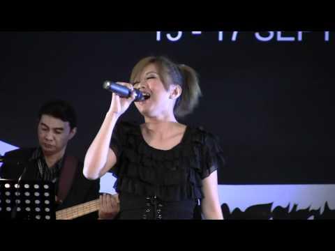 Stacy - Kisah Dongeng @ MASiF 2011