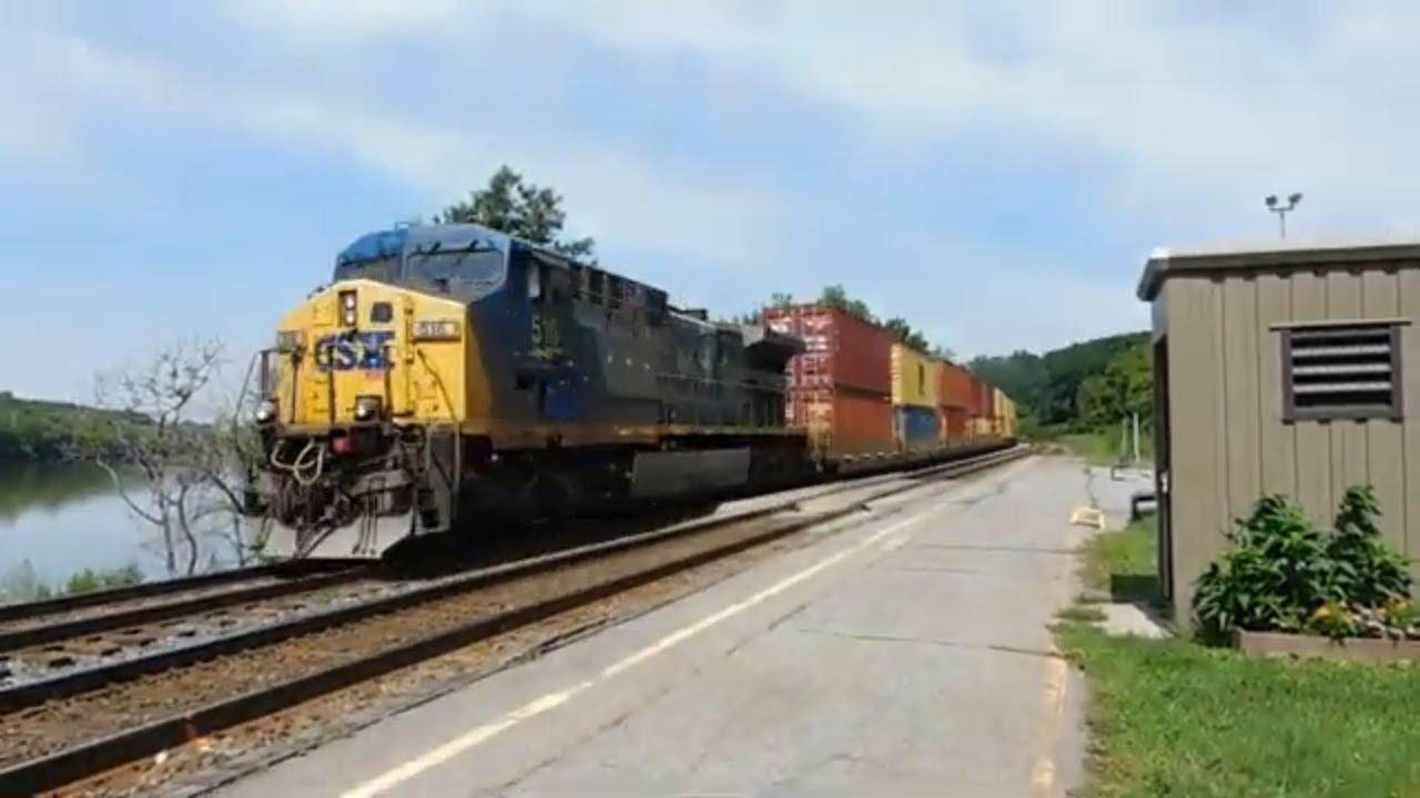 Lone CSX locomotive pulls intermodal down the Mohawk Sub