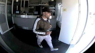 Portemonneedief pint contactloos met gestolen pas bij coffeeshop