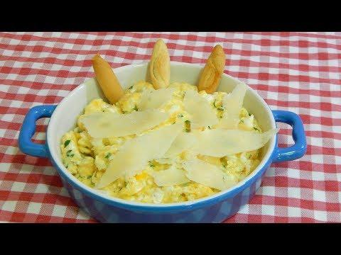 Huevos revueltos con queso parmesano ( Receta fácil y rápida )