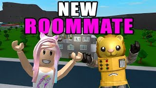MY MANSION NEEDS A NEW ROOMMATE Bloxburg Roblox Roleplay