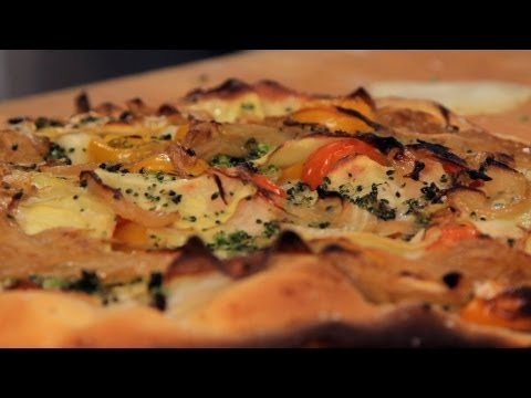 How To Make Cheese-Free Pizza | Homemade Pizza