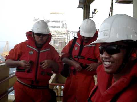 Storm in offshore platform in Malaysia with my Romstar mates!