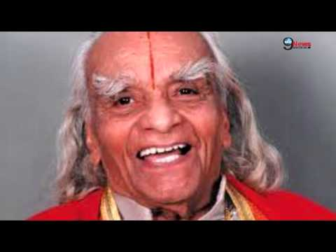 Legendary Yoga Master 'BKS Iyengar' Passes Away at 95