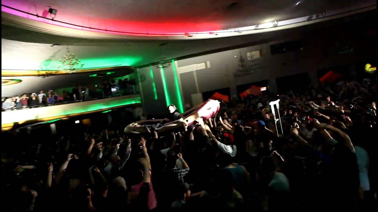Steve Aoki Balcony Dive Hollywood Palladium HD