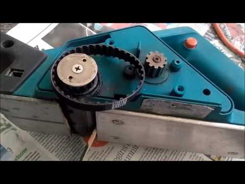 How to replace the belt on an electric wood planer tutorial. Black and Decker planer wont spin