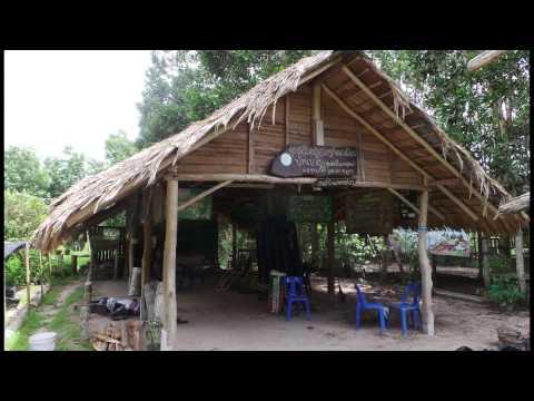 หมู่บ้านตัวอย่างตามรอยเท้าพ่อ