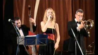 Anna Buturlina & Trad Jazz Band -  Aint Misbehavin