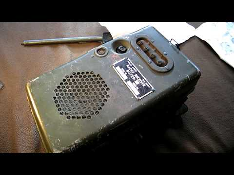 The BC 728 portable SW radio from 1942, used in Worldwar II
