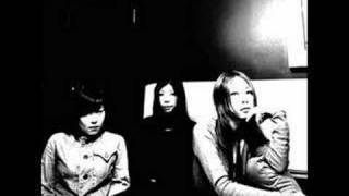 Single from the Japanese indie/rockband noodles, the song is called...
