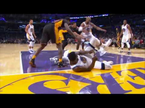 DRAYMOND GREEN  & IAN CLARK - Both Leave Game after COLLISION (Nov 25)