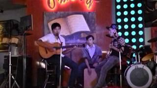 Quê Hương Việt Nam Guitar Cover !!!