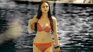Bollywood actresses in bikini sizzle to paani wala dance song - must watch