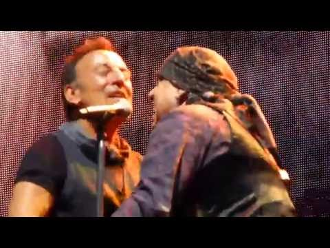 Prove it All Night - Springsteen - MetLife#2 Aug 25, 2016