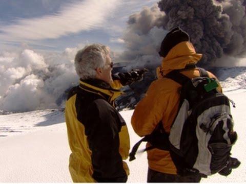 What can happen when a plane flies through ash