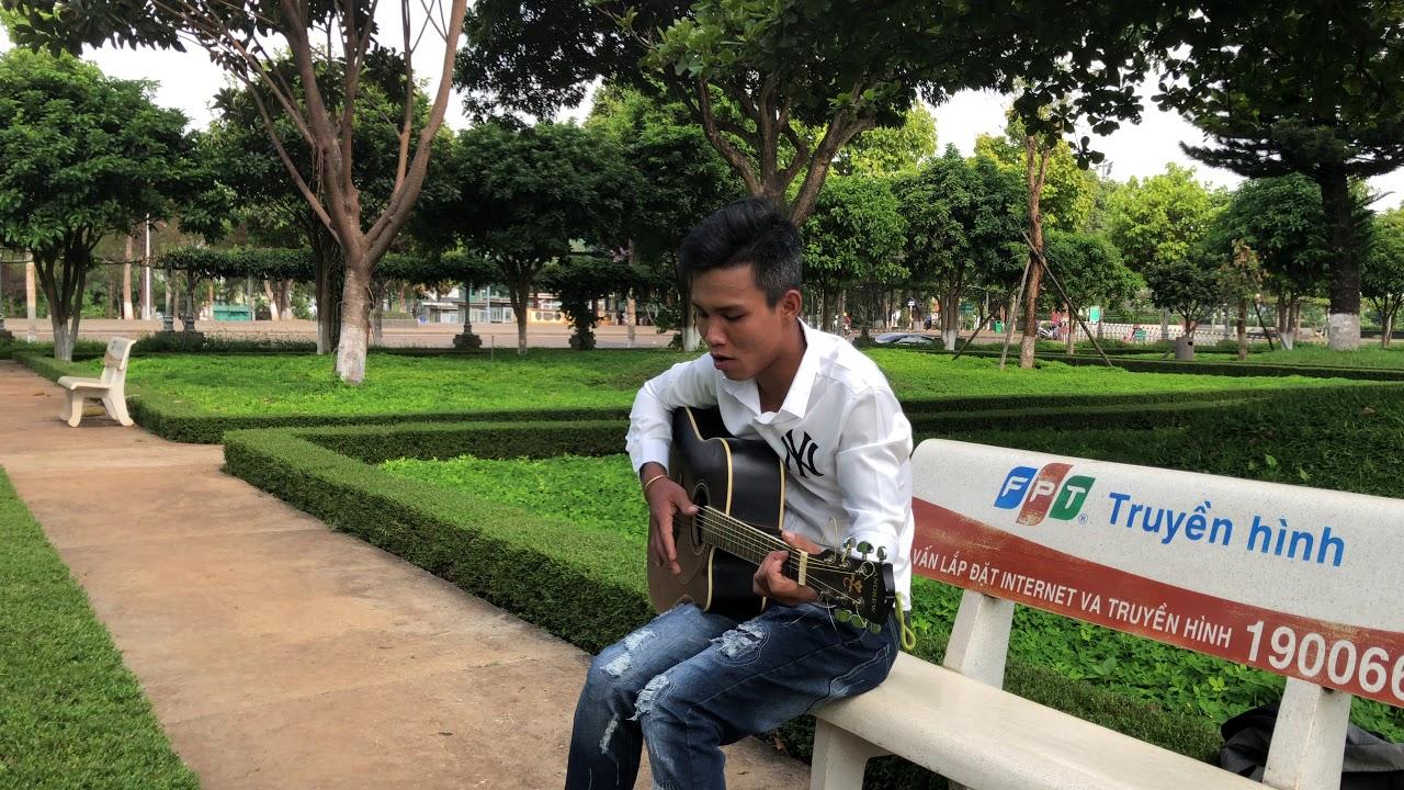 Hành Lang Củ ( HẠ NHỚ ) | Guitar Cover | Long Đầu Bạc