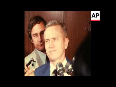 SYND 17-8-70 ASTRONAUT FRANK BORMAN IN PARIS ON BEHALF OF AMERICAN POW'S IN NORTH VIETNAM