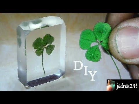 DIY. Four-leaf clover in resin.
