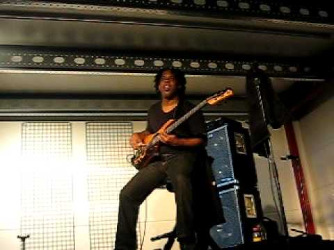 Victor Wooten bass clinic  wrong notesmust see! part 67