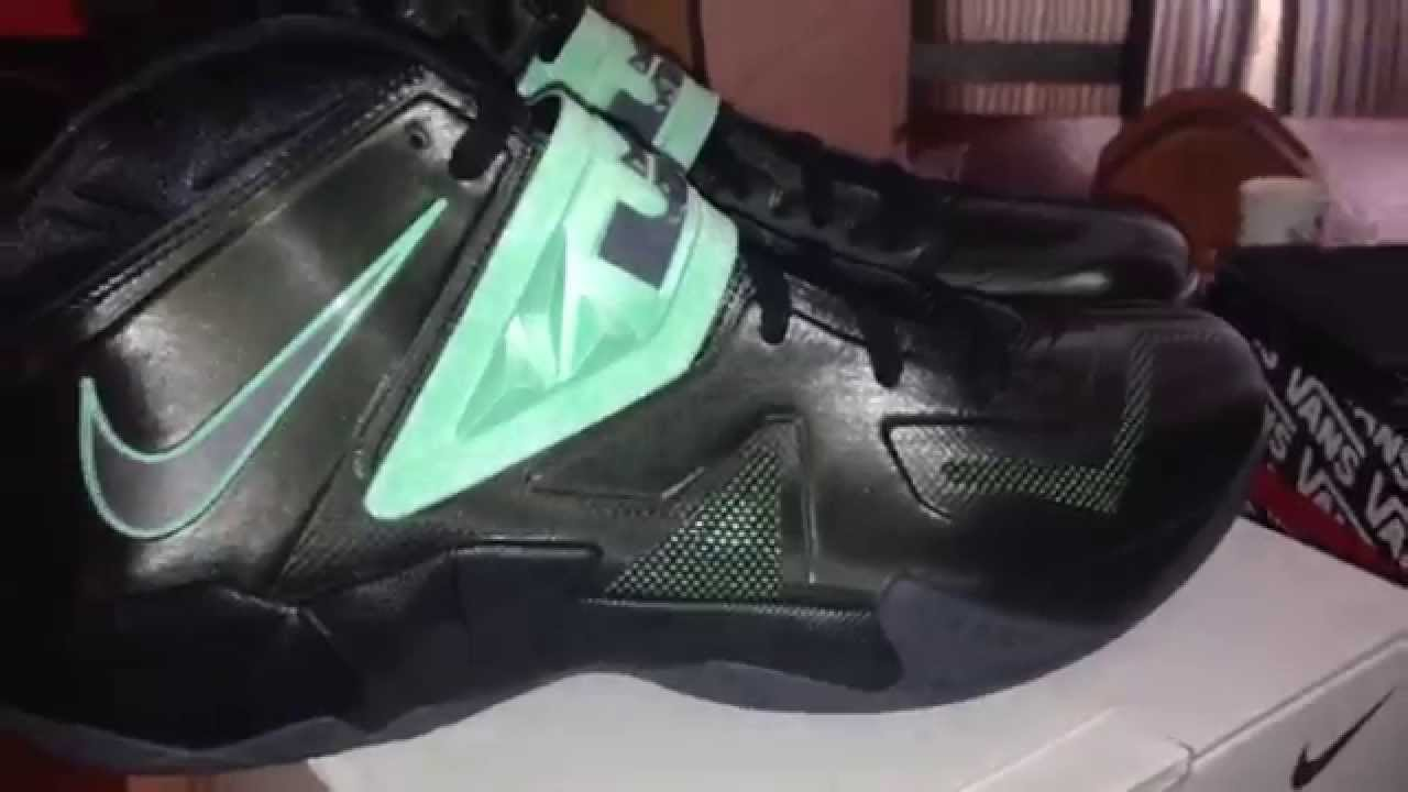 4aecd36c37f0a Lebron zoom soldier 7 black and green glow - YouTube