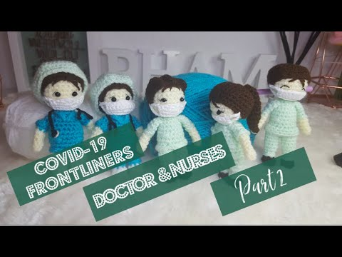 Amigurumi Dolls With A Stethoscope Play Doctor. Lizenzfreie Fotos ... | 360x480
